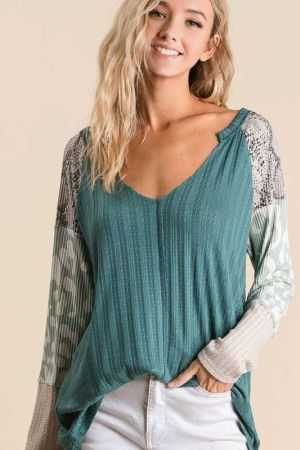 TEXTURED KNIT TOP WITH PRINT BLOCK SLEEVES